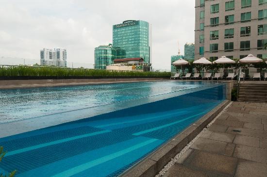 intercontinental-asiana-pool