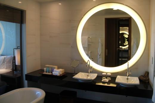 hotel_review_hilton_conrad_tokyo