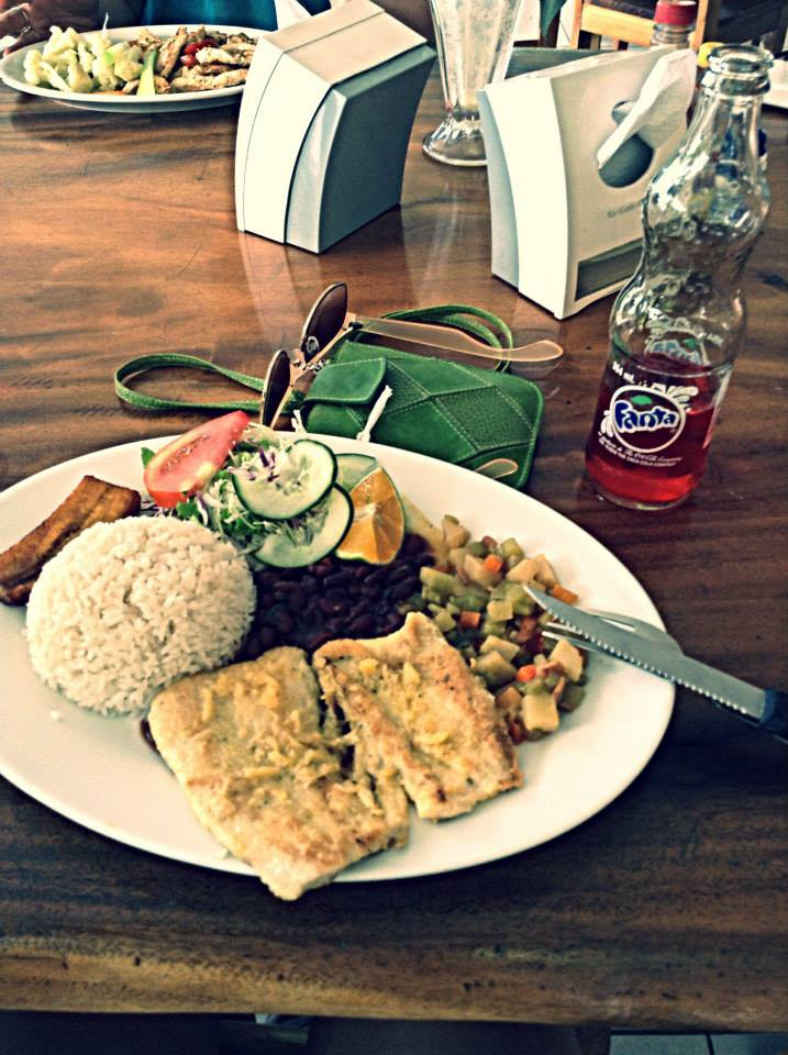 Dinner at a soda: Tilapia, rice, beans, plantains and salad for ~$6