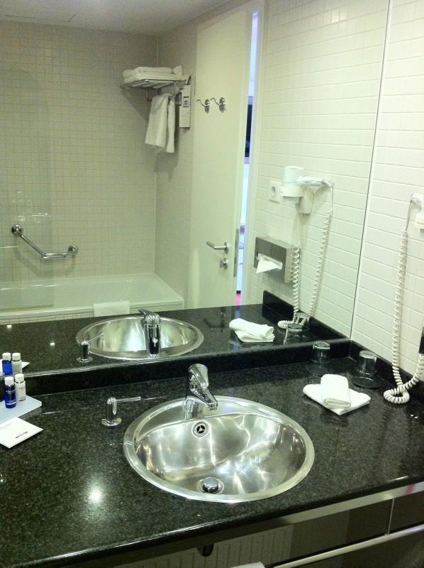 Bathroom Artotel Budapest